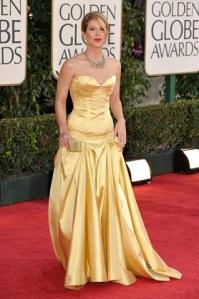 christina-applegate-2009-golden-globes-red-carpet-krtabacaphotoslive521955-66th-golde1